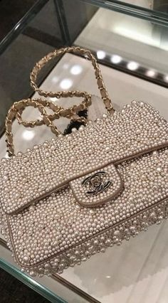 07cc8993cabc Pinterest @BabygirlJennyM ♡ Purses And Handbags, Chanel Handbags, Fashion  Handbags, Chanel