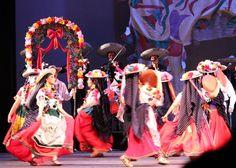Ballet Folklorico Mexicano de Carlos Moreno. Michoacan. La Boda Tarasca. Janitzia Rodriguez