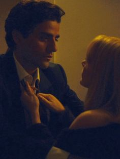 """Oscar Isaac as Abel Morales and Jessica Chastain as Anna Morales in """"A Most Violent Year"""" (2014)"""