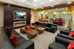 2-Bedroom House in Washington Centered Around a 16-Car Garage [Video] - http://freshome.com/2014/09/08/2-bedroom-house-in-washington-centered-around-a-16-car-garage-video/