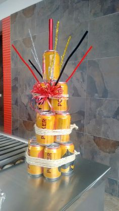 Una torta divertida...para el cumpleañero 18 años.