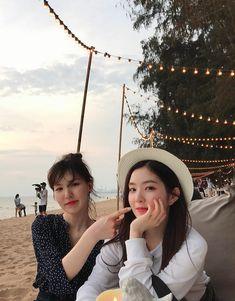 Red Velvet - Wendy & Irene #kpop #wenrene
