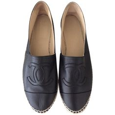 Pre-owned Chanel Black Espadrilles Us11 Eu42 Flats (22.880 UYU) ❤ liked on Polyvore featuring shoes, flats, chanel, black, black shoes, flat pumps, black espadrilles, kohl shoes, pre owned shoes and chanel shoes