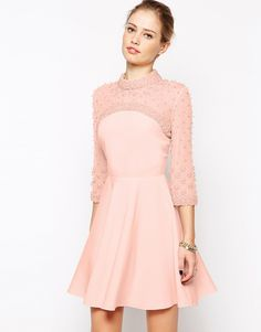 Romantic, Vestido rosa palo con mangas bordadas, Asos. (SS15)