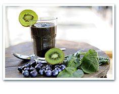 Lunch op dag 3 van de Lentekuur: de green surprise.   http://www.avogel.nl/lentekuur/dag-3-juice-up-your-week.php