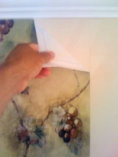 How to remove vinyl wallpaper. Step by step photo instructions and preparing the walls for painting.