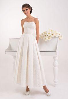 Členkové svadobné šaty s výstrihom v tvare srdca