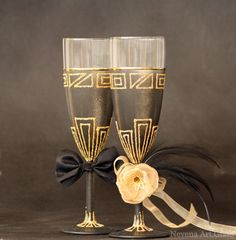 Black and Gold Champagne Flutes Wedding Glasses by NevenaArtGlass #wedding #flute #gatsby