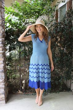 Cotton hand knitted dress Knit Dress, Breeze, Hand Knitting, This Is Us, Feather, Stitch, Summer Dresses, Projects, Cotton