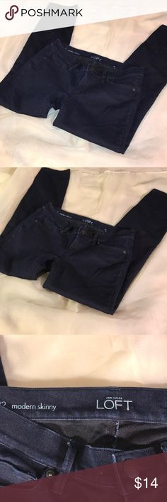 Jeans (P-5) Ann Taylor LOFT Skinny Jeans. This is a DEEP blue pair of jeans. Very nice and in Superb condition. Size 2 Ann Taylor Jeans Skinny