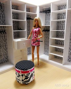 Barbie Look Wardrobe I always wanted a dressing room.I always wanted a dressing room. Dreamhouse Barbie, Barbie Doll House, Barbie Dream House, Barbie Dolls, Barbie Diorama, Diy Barbie Furniture, Dollhouse Furniture, Furniture Vintage, Industrial Furniture
