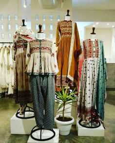 Take border of brown paper silk sari and put on Khadi to make this style. Use the remainder of the brown paper silk sari for kurta