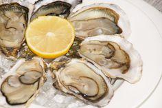 Frische Austern aus Arcachon - Eine Köstlichkeit Bordeaux, Stuffed Mushrooms, Vegetables, Travel, Food, Gourmet, Oysters, Tips, Stuff Mushrooms