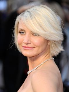 Short Blonde Bob Hairstyle with Bangs - Most Popular Short Hairstyles 2014 - Pretty Designs Short Hair Cuts For Round Faces, Bob Hairstyles For Round Face, Bob Hairstyles With Bangs, Popular Short Hairstyles, Short Hair Styles Easy, Short Bob Haircuts, Short Hair Cuts For Women, Medium Hair Styles, Wedge Hairstyles