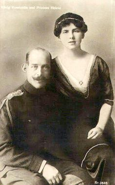 Queen Helen of Romania, nee Princess of Greece and Denmark, with her father King Constantine I of Greece Romanian Royal Family, Greek Royal Family, King George I, Greek Royalty, Christian Ix, Royal Photography, Greek Beauty, Royal House, Modern History