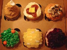 10 of the MOST AWESOME Thanksgiving Cupcakes Ever!