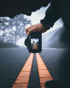 AWESOME ✌🏻📷 Photography Hacks, Canon Photography, Photography Tips And Tricks, Cool Photography Ideas, Road Photography, Portrait Photography Tips, Better Photography, Passion Photography, Photography Timeline