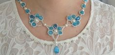 Jak si můžete udělat modrá kočka Eye Bead svěšených náhrdelník
