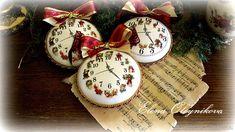 Купить Медальоны интерьерные новогодние часы в интернет магазине на Ярмарке Мастеров