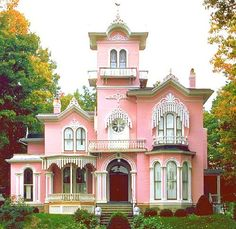❥ pink Victorian house ~~