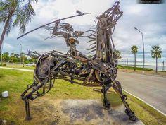 Conjunto de esculturas en Costanera Sur de Ciudad de Corrientes, realizado por la agrupación Cultura Vallese en homenaje a Andrés Guacurarí y sus Guaraníes de los Pueblos Libres  Foto: Esteban Zarate