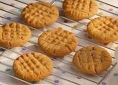 Peanut butter is the best! Cookie Desserts, Cupcake Cookies, Just Desserts, Cookie Recipes, Delicious Desserts, Dessert Recipes, Yummy Food, Carrot Cookies, Healthier Desserts