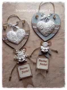 Make wooden hearts with Felted heart or polymer clay Diy Arts And Crafts, Clay Crafts, Paper Crafts, Felt Crafts, Wood Crafts, Christmas Crafts, Christmas Decorations, Christmas Ornaments, Wax Tablet
