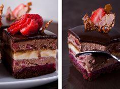 """""""The enchanteur """" – так гласит название этих соблазнительных пирожных. Меня они просто покорили!:) Нежные, невесомы как облачко, тающее во рту шоколадное парфе и крем-брюле, хрустящий нугатин и небольшая кислинка ароматного малинового желе. Состав пирожных (снизу вверх):шоколадный бисквит без муки,…"""