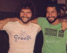 The Georgiou Brothers - David Gordon & Cat Stevens are brothers, who look like twins Cat Stevens, Music Icon, My Music, Dusty Springfield, Carly Simon, Cool Lyrics, Jimi Hendrix, No One Loves Me, Music