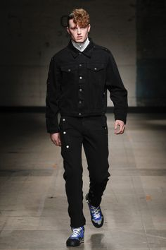 Christopher Shannon Fall 2017 Menswear Collection Photos - Vogue