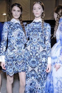 Valentino does delft blue