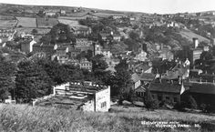 0095 Looking over the town of Holmfirth from Victoria Park.
