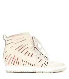 best service a967b 1cb01 NIKE dunk SKY high ♥ Nike Dunk Sky Hi Womens Shoe kicks Pinterest Nike dunks,  Woman shoes and Shoes Zwarte Michael Kors Wedge sneakers ...