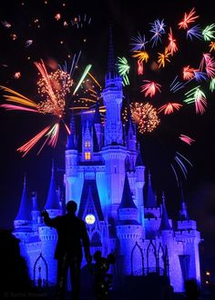 5 Steps to Getting Great Fireworks Photos at Walt Disney World - The Official Blog of David's Vacation Club Rentals