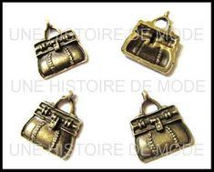 Breloque mode - Breloques sac a main - UNE HISTOIRE DE MODE Bronze, Couture, Cufflinks, Accessories, Fashion, Pendant, Purse, Hands, Fashion Styles