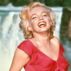 @ethan1960/movie / Twitter Marilyn Monroe, Milton Greene, Gordon Parks, Real Queens, Norma Jeane, Iconic Women, Retro Outfits, Worlds Of Fun, How To Take Photos
