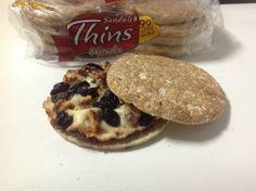 Sandwich Thins de Queso, Membrillo y Frutos Secos
