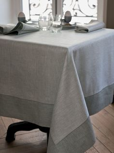 Yves Delorme of Paris Menu Table Linens - Sel, poivre and Sesame colourways, 100% pure linen, finished with contrasting facing and bourdon embroidery.