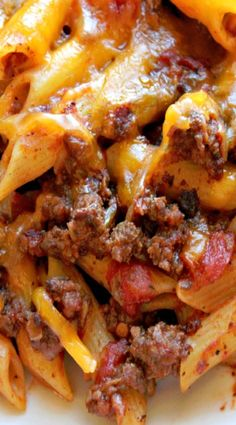 Crockpot Cheesy Penne Pasta and Beef Casserole ❊