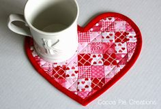 Cocoa Pie: Valentine Mug Rug & Tips for Sewing Curves and Inside Corners