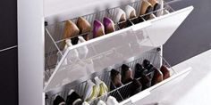 Smart Tiles : Ça Vaut le Coup ? Notre Avis & Test de la Crédence Adhésive Shoe Storage Design, Rack Design, Ikea Deco, Smart Tiles, Credence Adhesive, Creative Shoes, Shoe Rack, Small Spaces, Shelves