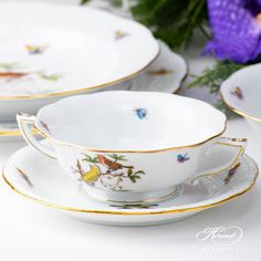Place Setting Five Piece- Herend Rothschild Bird ROdesign. Herend fine china Dinner Sets, Place Settings, Dinner Plates, Fine China, Wedding Gifts, Porcelain, Bird, Fruit, Desserts