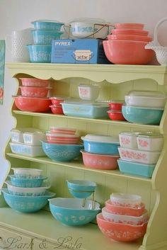 My dream vintage Pyrex collection Vintage Pyrex Dishes, Vintage Kitchenware, Vintage Glassware, Corningware Vintage, Vintage Canisters, Antique Dishes, Vintage Decor, Retro Vintage, Vintage Stuff