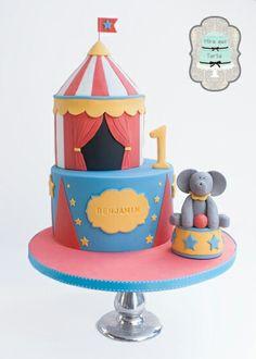 Circus cake by @miraquetarta