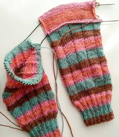 Instrucciones calcetines, ana conde desings | anaconde | socks&co Crazy Socks, Ravelry, Fitness, Wool, Knitting, Fashion Tips, Vintage, Crafts, Knitting Socks