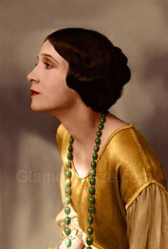 anne olive Gallery – The Makeup Looks of the 1920′s.