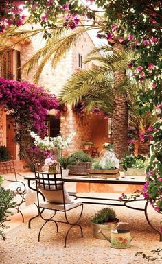 Courtyard patio at the home of architect Amador Calafat-Busquets on the island of Mallorca