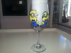 hand painted wine glass Despicable Me 2 minions movie by Deziray, $30.00 Custom Cups, Custom Glass, Hand Painting Art, Diy Painting, Minion Glasses, Minion Characters, Painted Wine Glasses, Diy Wall Art, Whimsical Art