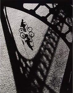shadow play - Arthur Tress, Boy on Bike, 1970 Robert Doisneau, Black White Photos, Black And White Photography, Photo Black, Fine Art Photography, Street Photography, Arthur Tress, Shadow Silhouette, Shadow Play