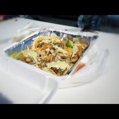 Sopes Mexicanos. One of my favorite dish.Sopes Mexicanos, uno de mis platillos favoritos.